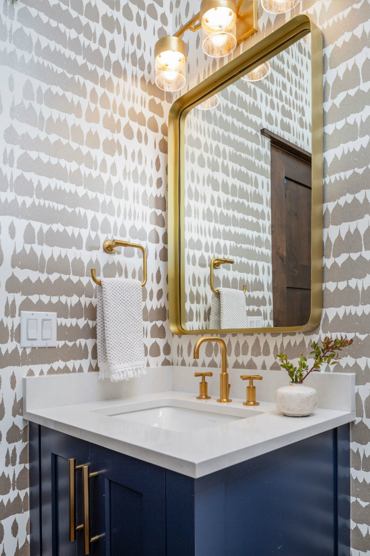 bathroom-patterned-wallpaper-design-breckenridge-co-river-and-lime