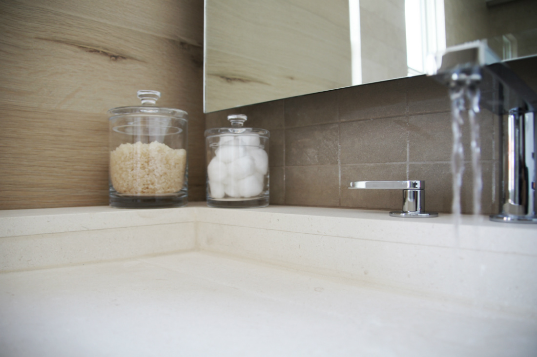 bathroom-sink-close-up-river-and-lime-design