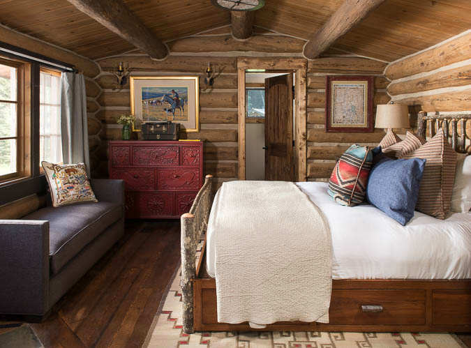 bedroom-with-couch-log-cabin-big-sky-mt-river-and-lime-2
