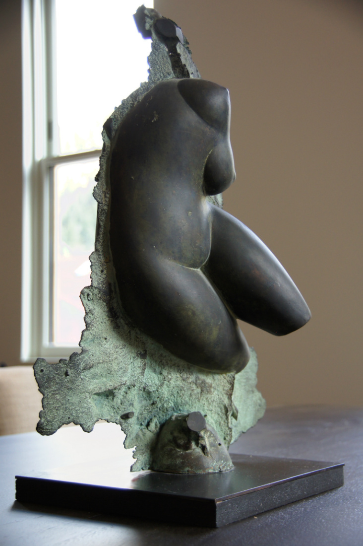 dining-table-nude-art-metal-statue