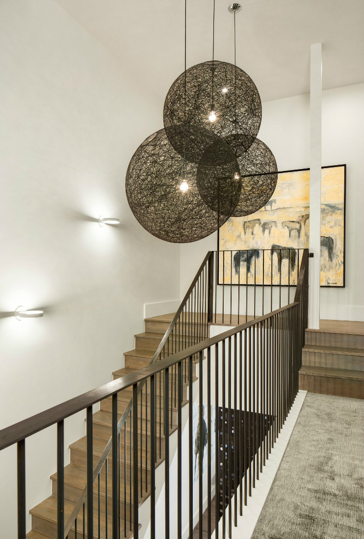 staircase-with-hanging-art-chandelier-design