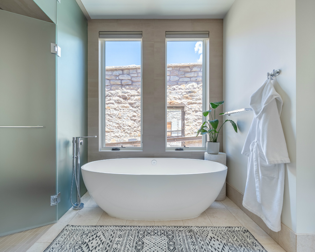 bathtub-master-bathroom-telluride-co