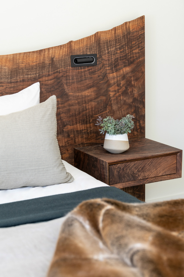 bedroom-natural-wood-headboard-telluride-co