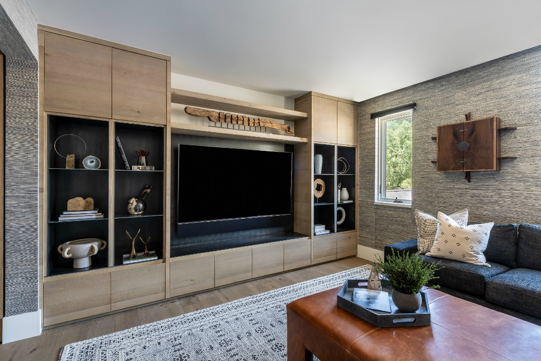 river-and-lime-living-room-tv-built-in-shelves